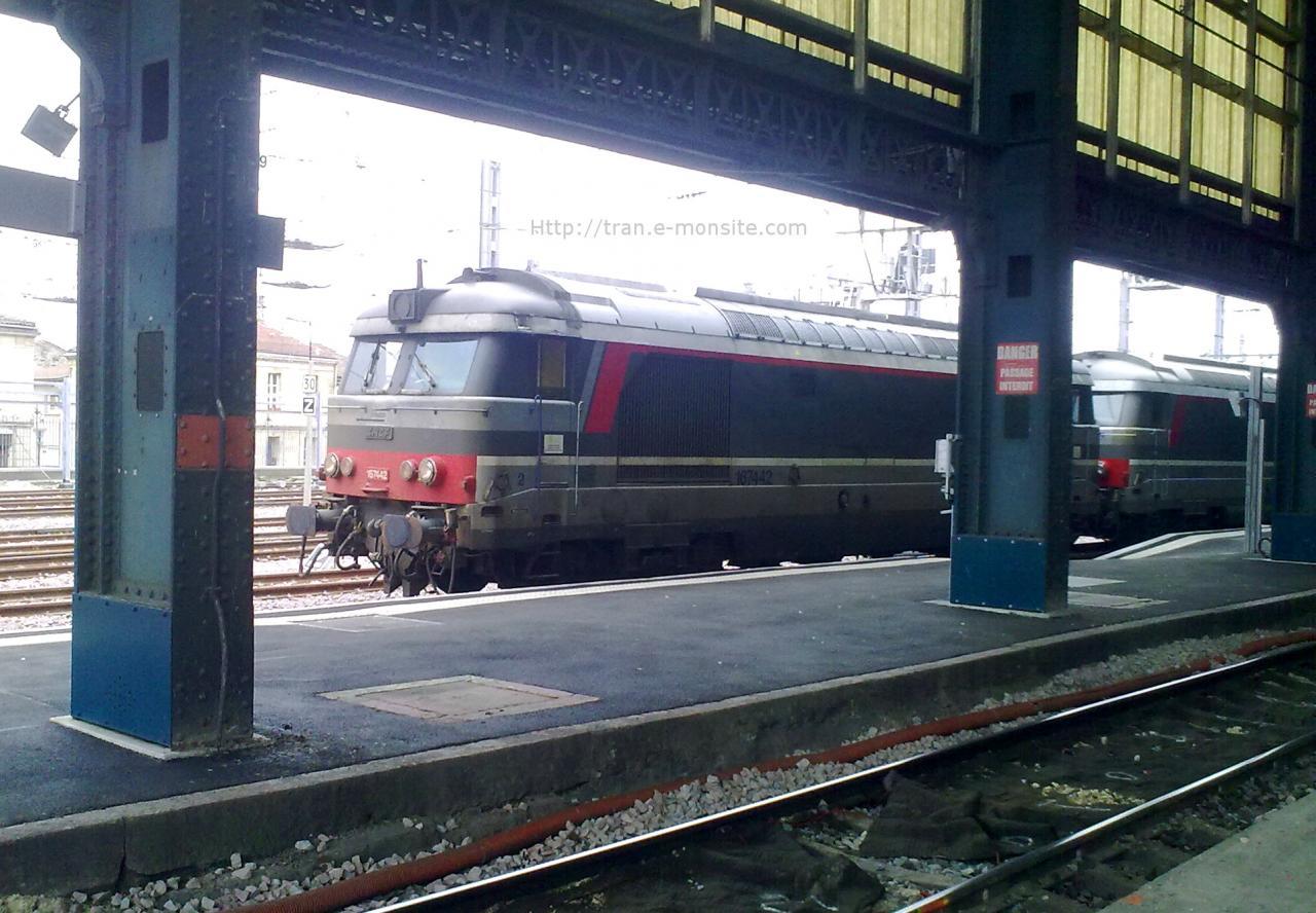 BB 67442 en UM en gare de Bordeaux