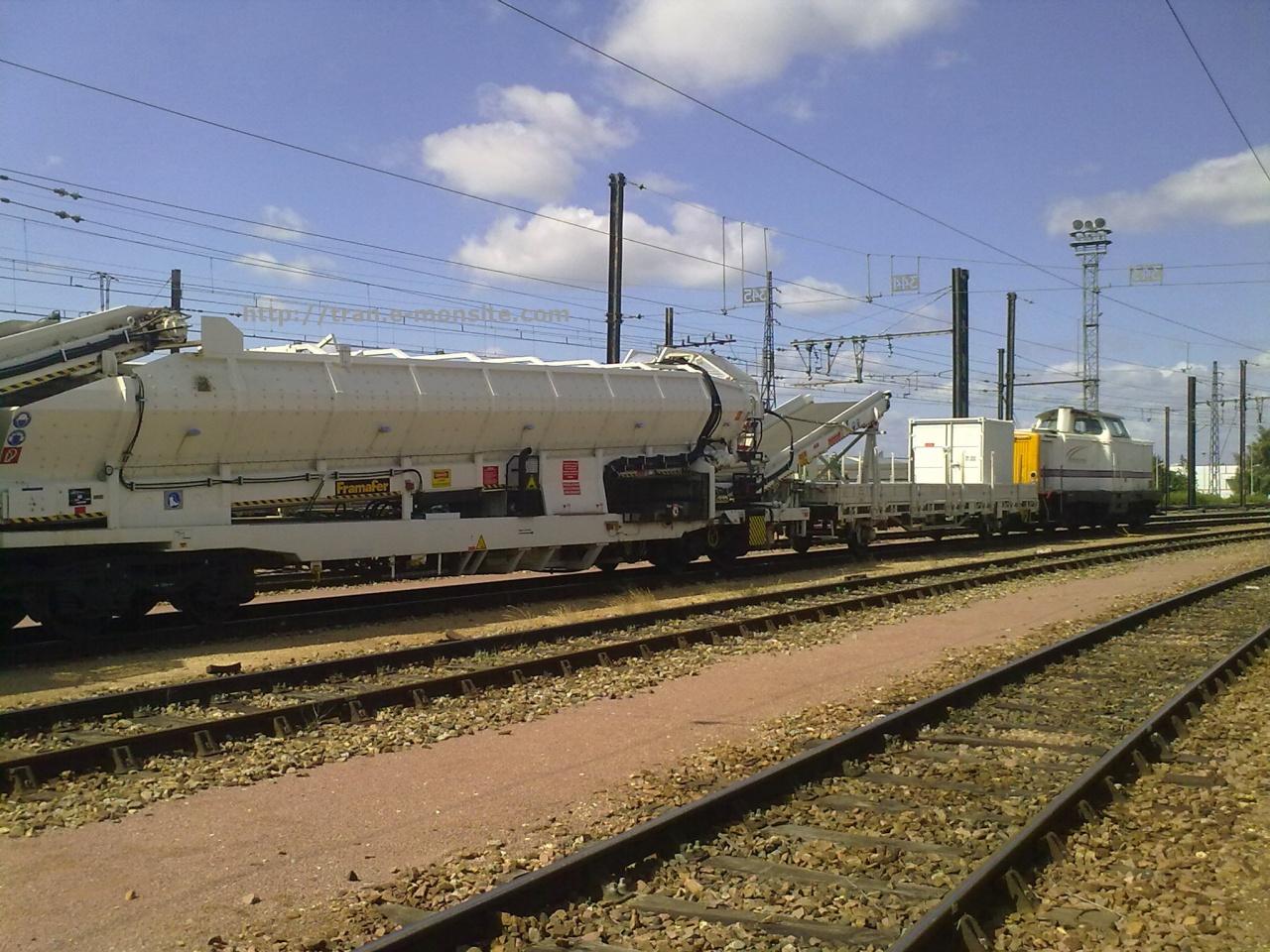 Train de travaux  Pichenot Bouillé en gare de Saint Pierre des Corps