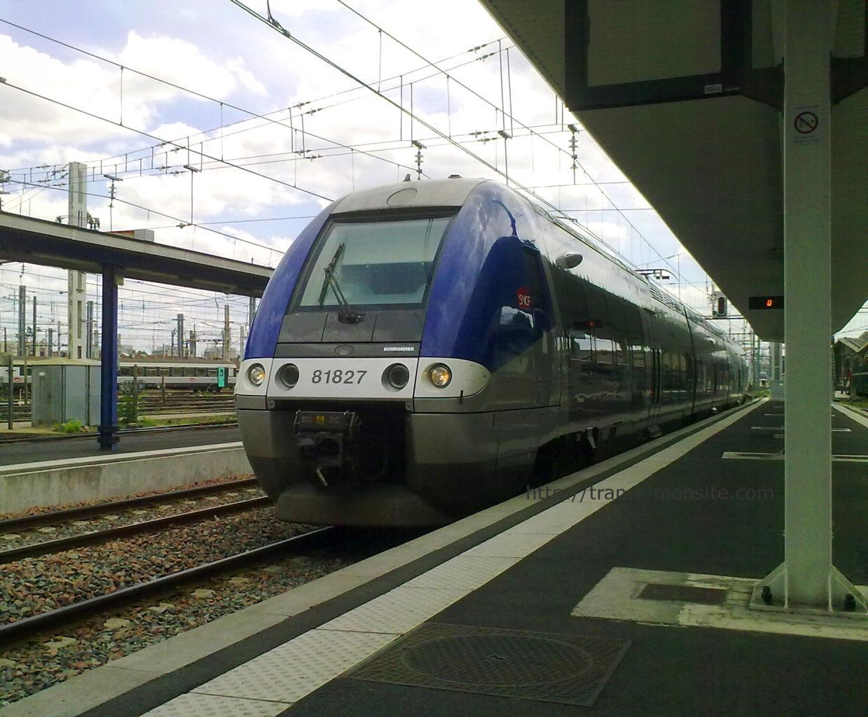 Autorail AGC B 81827 en gare de Bordeaux