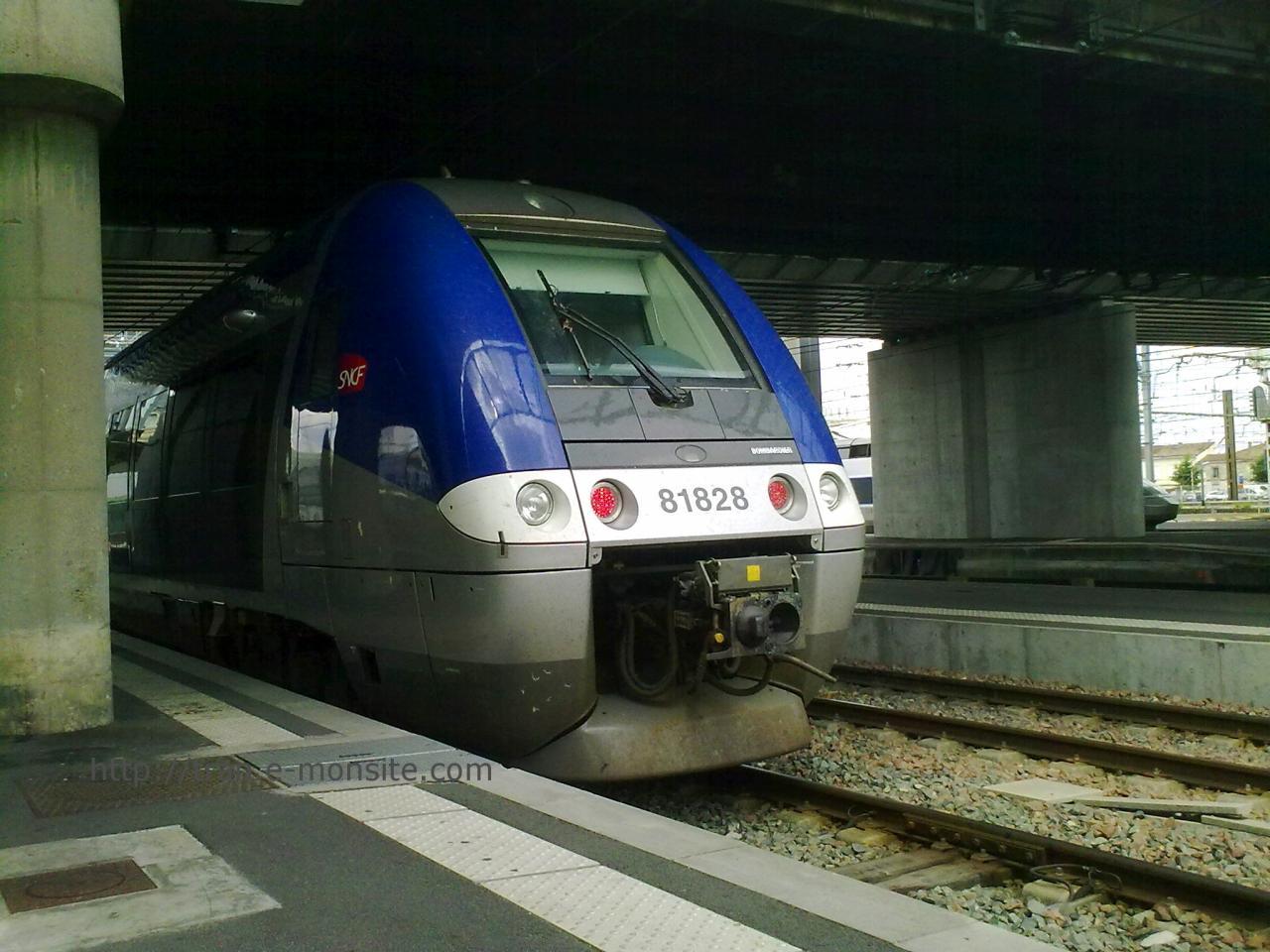 Autorail AGC B 81828 en gare de Bordeaux