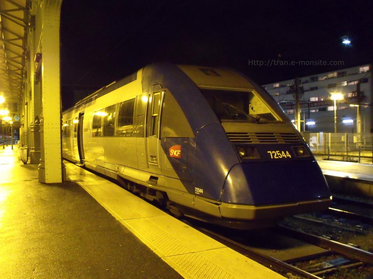 Autorail X 72544 en gare de Tours