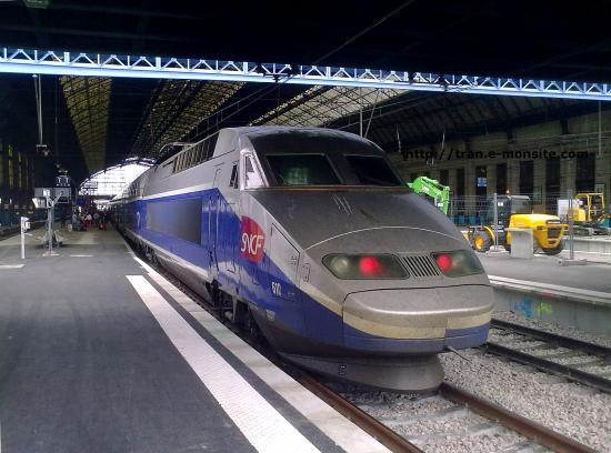 TGV RD(réseau duplex) n°610 à destination de Lille Flandres en gare de Bordeaux le 06/06/10