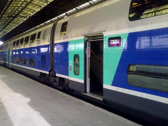 TGV duplex à destination de Lille Flandres en gare de Bordeaux