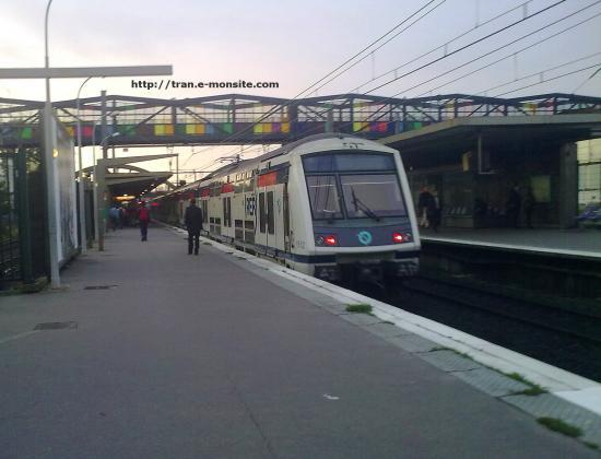RER A en gare de Sucy Bonneuille