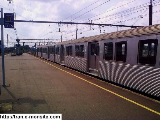 Autorail Z 5300 en gare de Saint Pierre des Corps assurant la liaison Tours/Saint Pierre des Corps