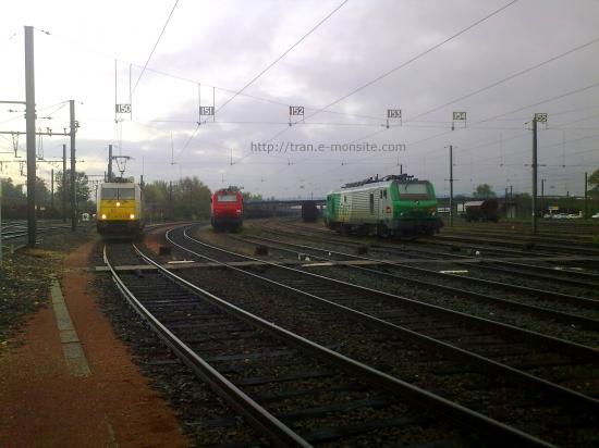 BR 186 de chez ECR,BB 27000 de chez Véolia et BB 27000 de la SNCF au triage d'Hourcade