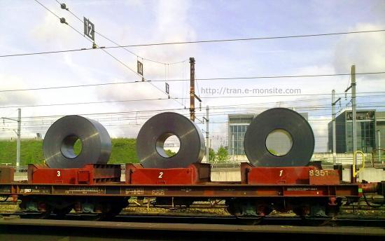 Wagon de transport de bobines métaliques au triage de Valenton