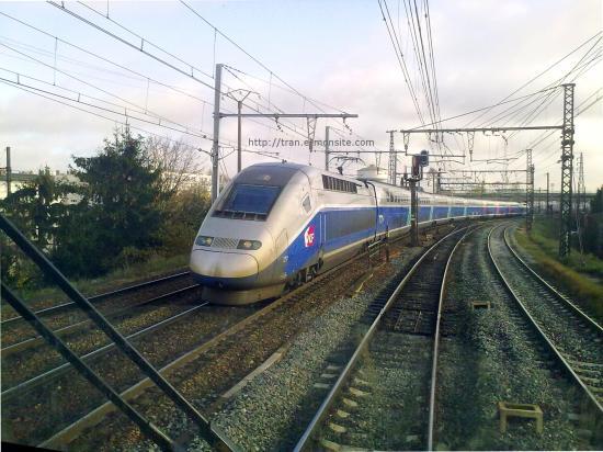 TGV Duplex quittant la gare de Saint Pierre des Corps vu depuis une BR 186 ECR