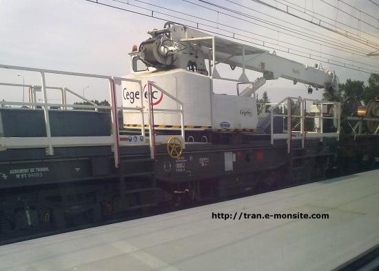 Grue ferroviaire Cegelec sur le pont ferroviaire de Bordeaux