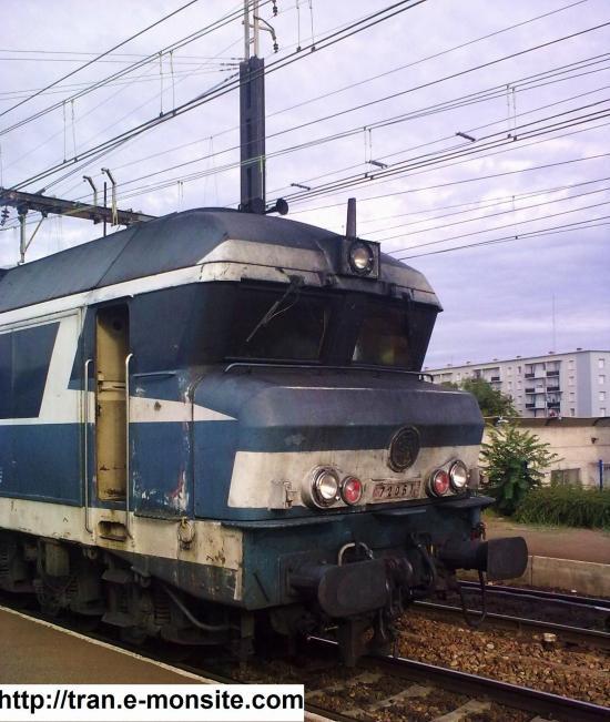 Loco CC 72061 en gare de Saint Pierre des Corps le 1/08/2009