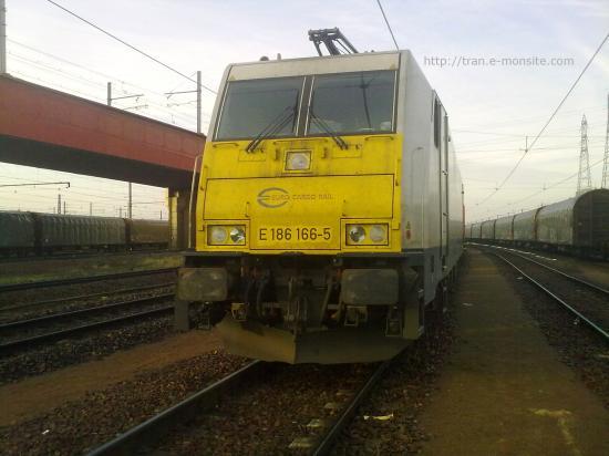 BR 186 166-5 de chez ECR au triage de Vallenton