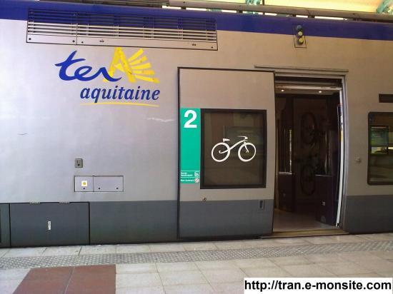 TER Aquitaine en gare d'arcachon