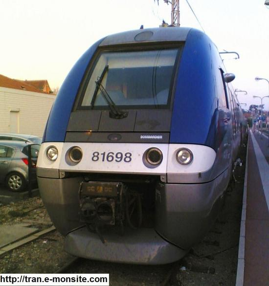 Autorail AGC B 81698