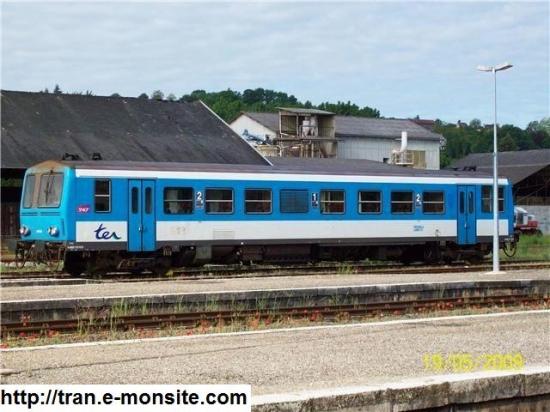 Autorail X 2100 assurant le TER Bordeaux/Sarlat