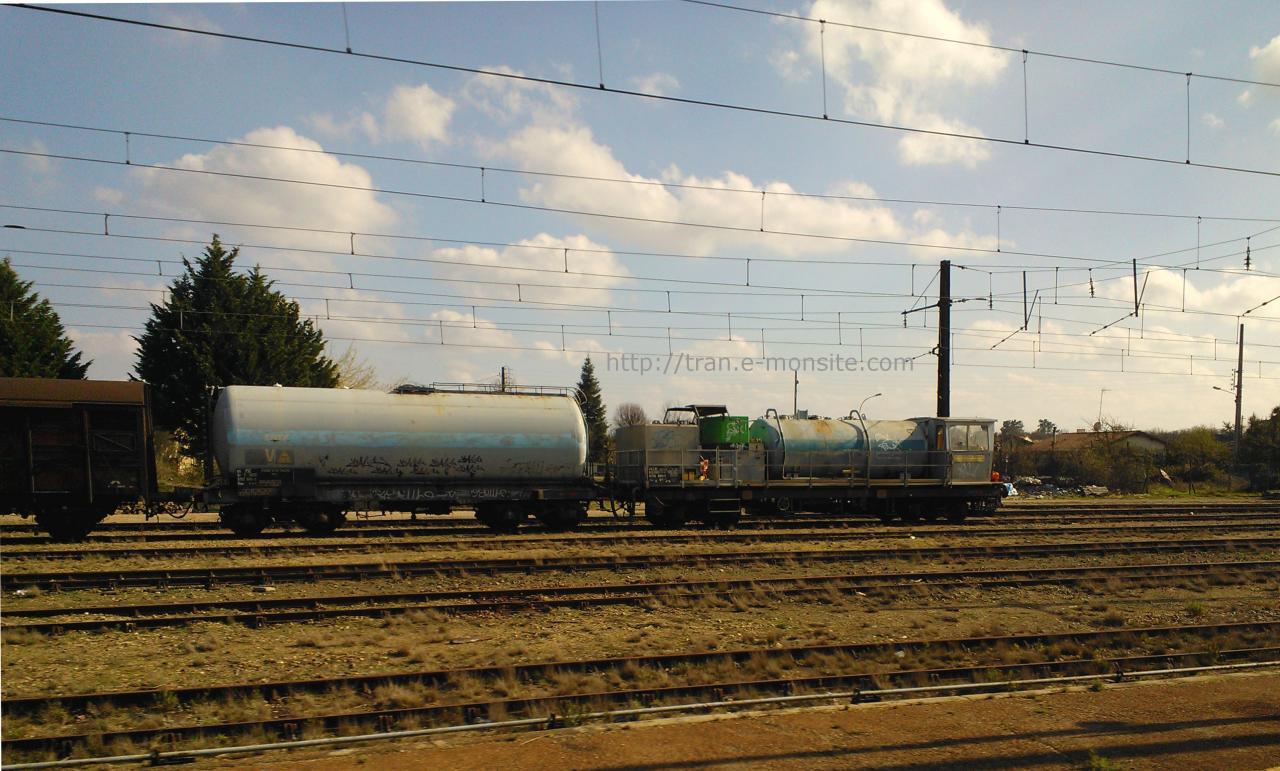 Train désherbeur en gare de Facture le 30/03/2013