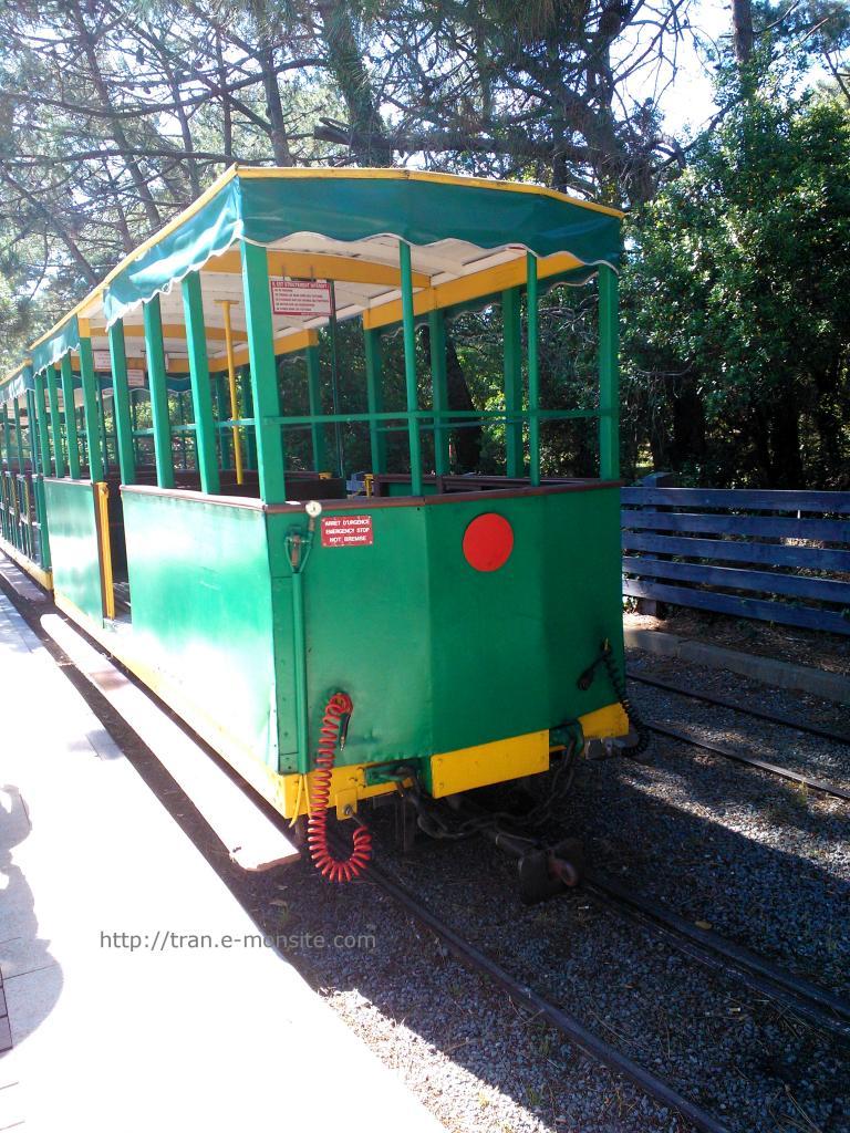 Wagon du Train touristique de la Pointe du Cap Ferret (juin 2014)