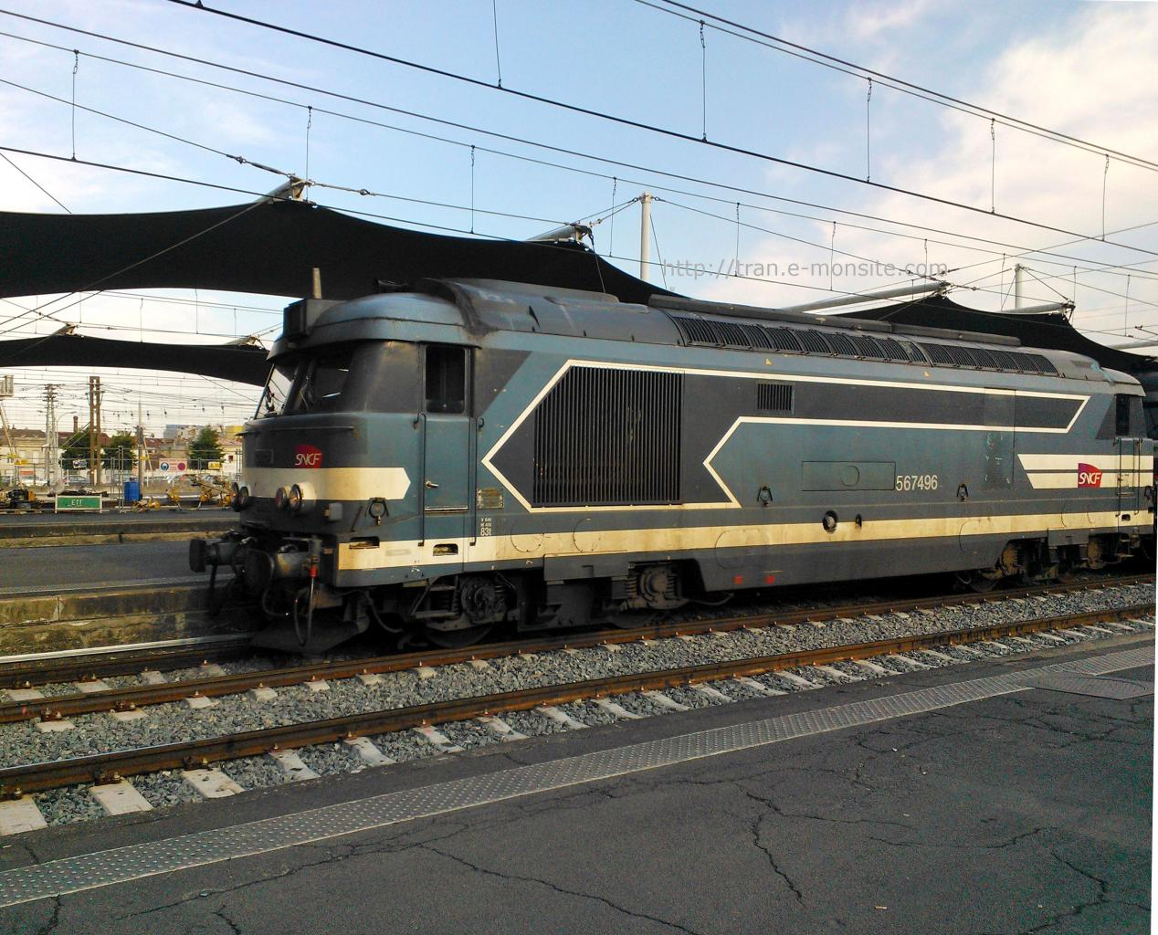 BB 67496 en gare de Bordeaux le 25/07/14
