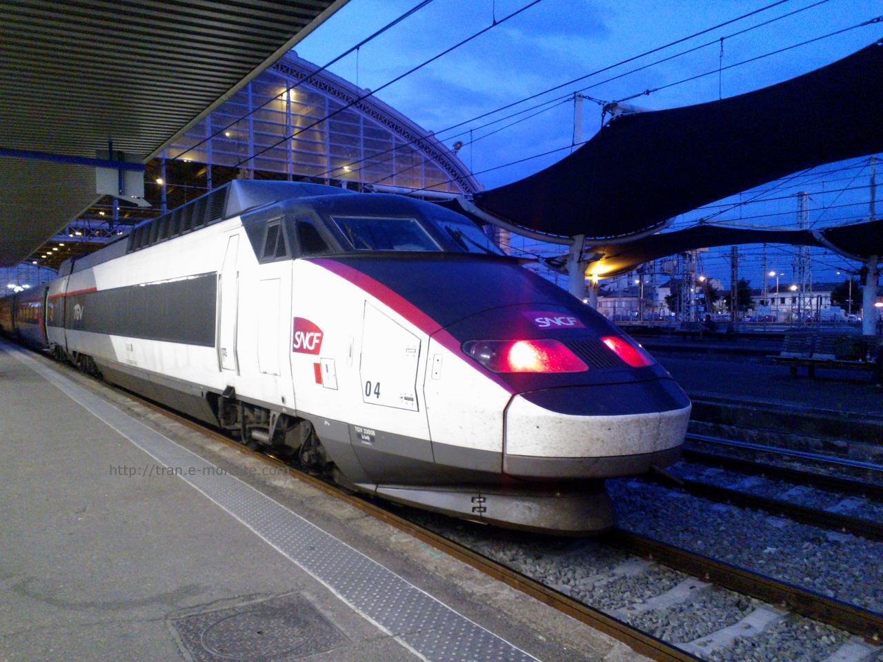 TGV réseau Carmillon en gare de Bordeaux le 1/08/14
