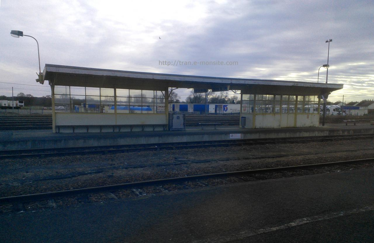 Abrit de quai de la gare de Château du Loir