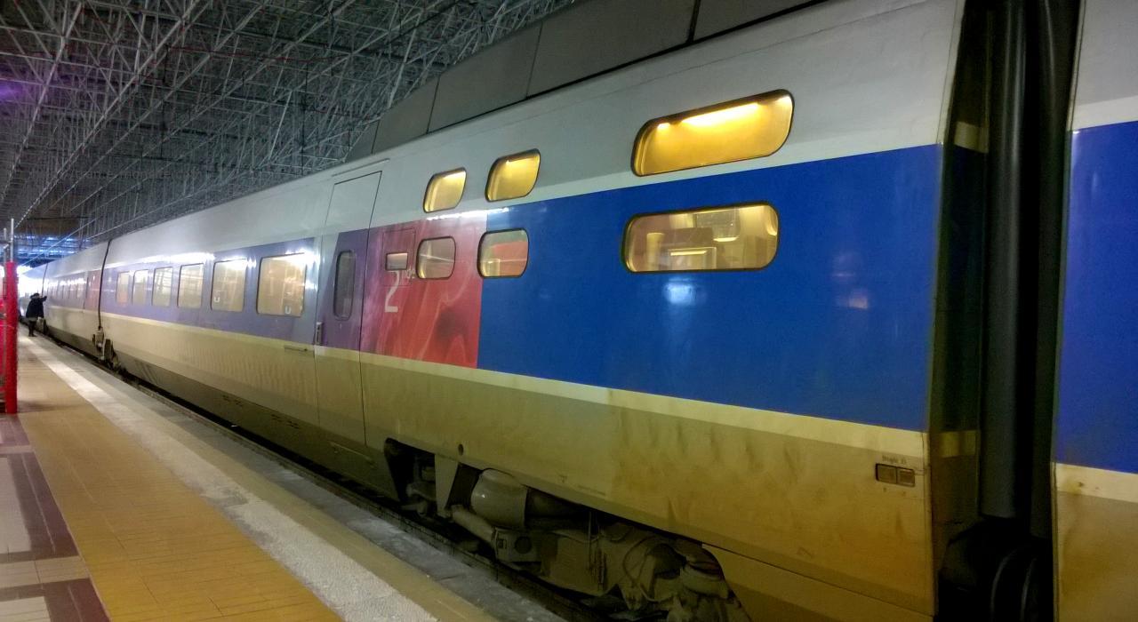 TGV Atlantique version Lacroix en gare de Bordeaux