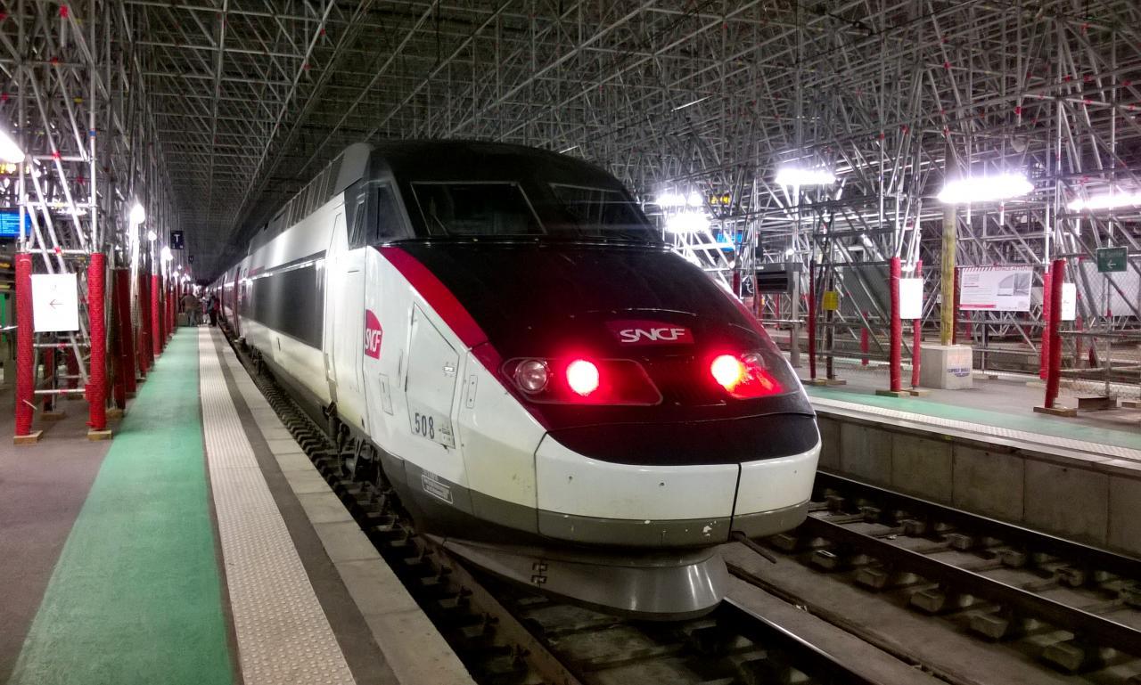 TGV réseau en livré Carmillon en gare de Bordeaux