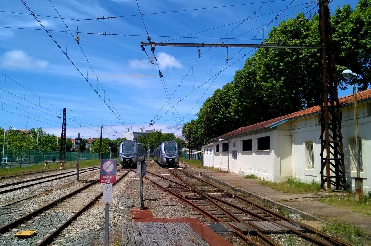 Régio 2N au repos en gare d'Arcachon