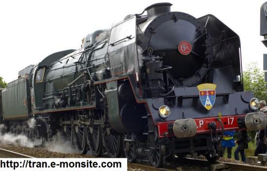 Quelle est la longueur de la plus longue locomotive à vapeur en 1944?